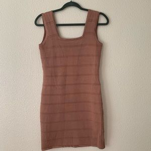 Bandage brown dress with details at the back